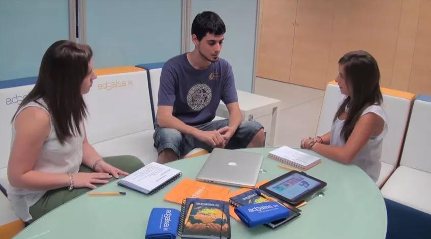 Miguel Lobón ganador del lote de premios de productos Apple